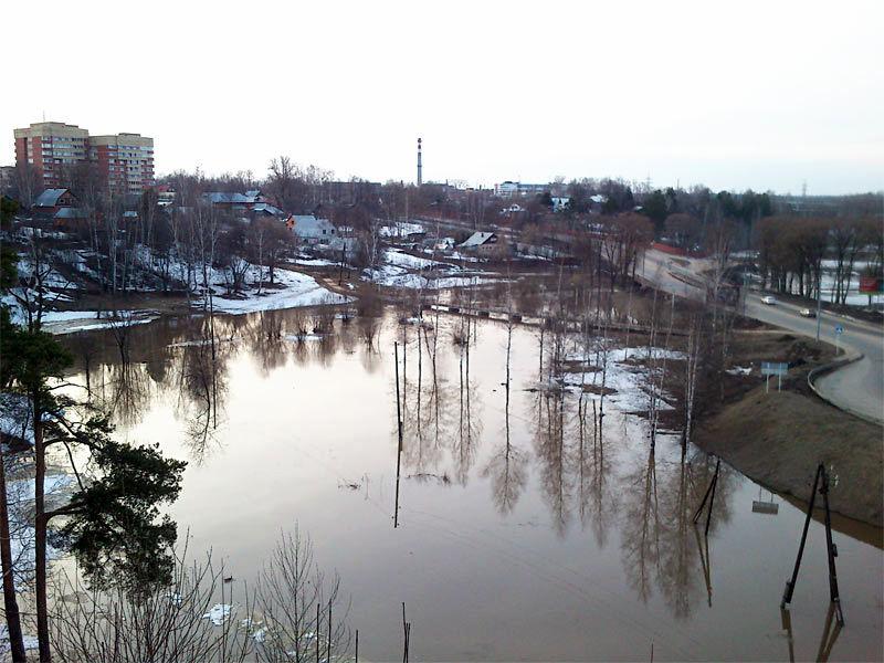 Разлив Пажи. Хотьково, апрель 2013 г.