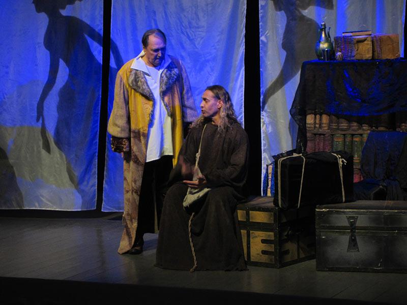 Что завещал нам Дон Жуан. Спектакль с участием Владимира Коренева и Сергея Глушко прошел в Хотькове