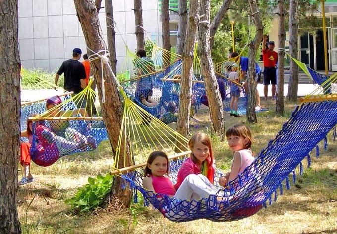 Дети, пострадавшие от наводнения в Хабаровском крае, проведут осенние каникулы в Хотькове
